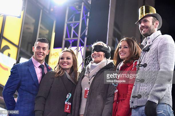 Jason Carrion Cortney Hendrix Lisa Kuhnen Jamie Otis and Doug Hehner attend The FYI Network presents Kiss Bang Love during New Years Eve in Times...