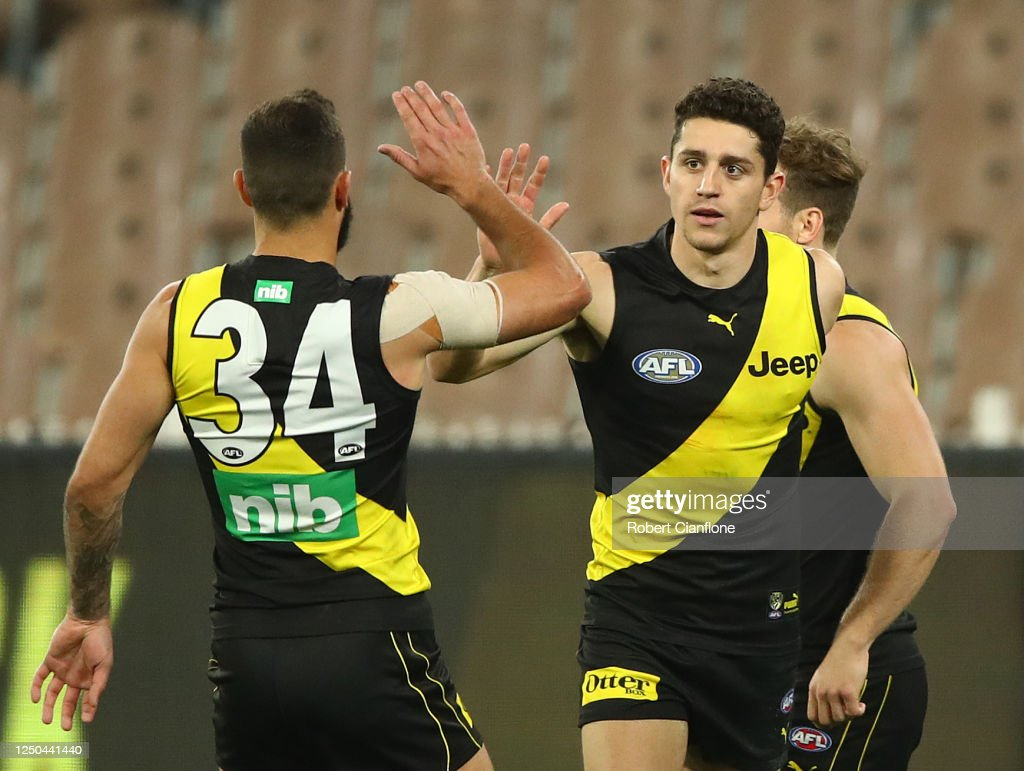 AFL Rd 3 - Richmond v Hawthorn : News Photo