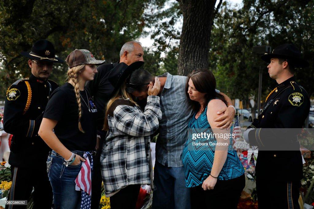 Funeral Held For Sheriff's Deputy Killed In Borderline Mass Shooting : ニュース写真