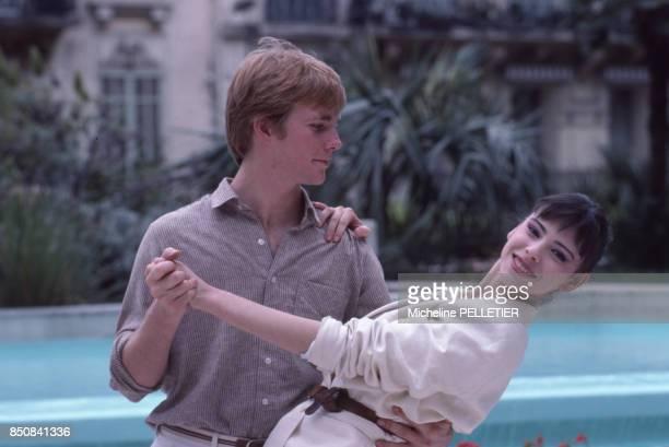 Jason Connery et Mathilda May au Festival de Cannes pour le film 'Nemo' le 20 mai 1983 France