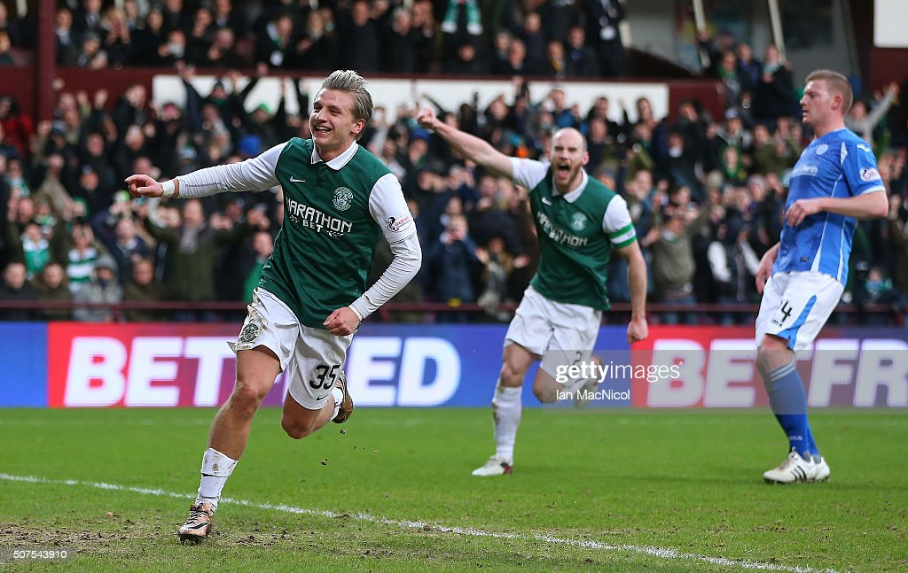 Jason Cummings of Hibernaian celebrates after he scores a penalty during the Scottish League Cup Semi final match between Hibernian and St Johnstone at Tynecastle Stadium on January 30, 2016 in Edinburgh, Scotland.