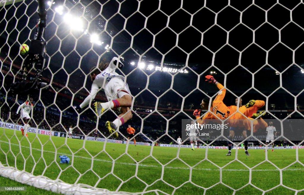Olympique Lyon v Paris Saint-Germain - Ligue 1 : News Photo
