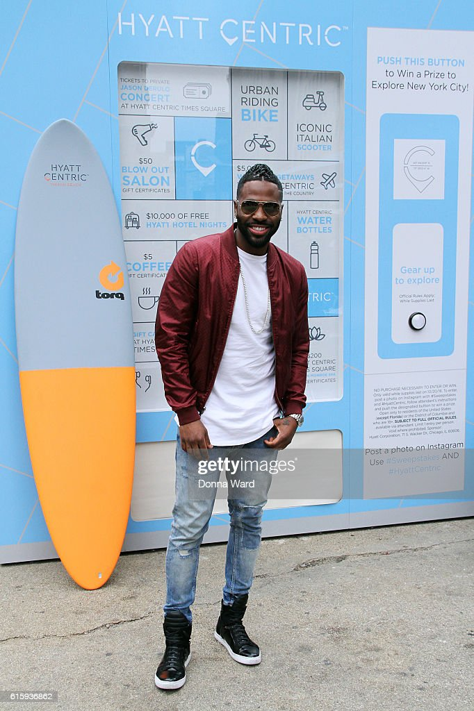 Jason Derulo appears to promote his private performance at the Hyatt Centric Times Square at the Flatiron Plaza on October 20, 2016 in New York City.