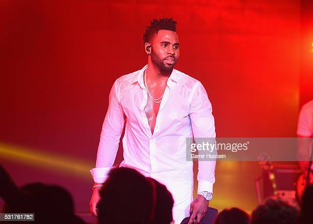 Jason Derulo performs at The Harmonist Cocktail Party during the 69th annual Cannes Film Festival at the Plage du Grand Hyatt on May 16 2016 in...