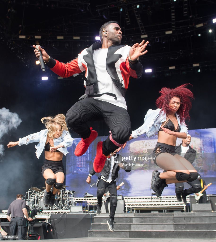 Jason Derulo performs live on stage during V Festival 2017 at Hylands Park on August 20, 2017 in Chelmsford, England.