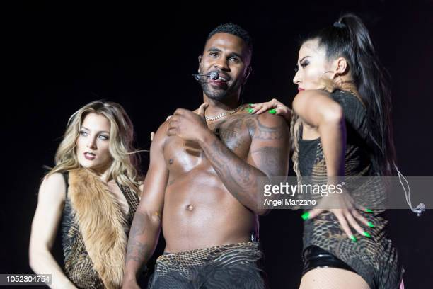 Jason Derulo performs on stage at the Wizink center on October 16 2018 in Madrid Spain
