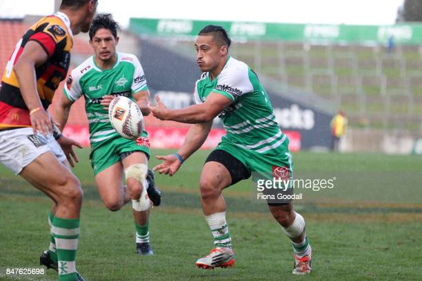 Jason Emery of Manawatu passes during the round five Mitre 10 Cup match between Waikato and Manawatu at FMG Stadium on September 16 2017 in Hamilton...