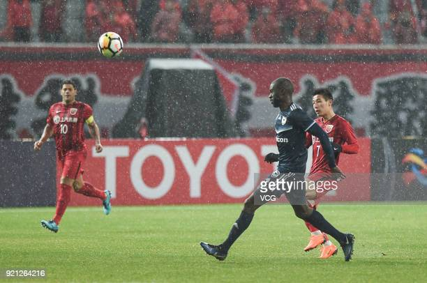 Jason Geria of Melbourne Victory competes during the 2018 AFC Champions League Group F match between Shanghai SIPG and Melbourne Victory at Shanghai...