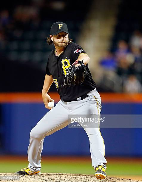 Jason Grilli of the Pittsburgh Pirates in action against the New York Mets at Citi Field on May 27 2014 in the Flushing neighborhood of the Queens...