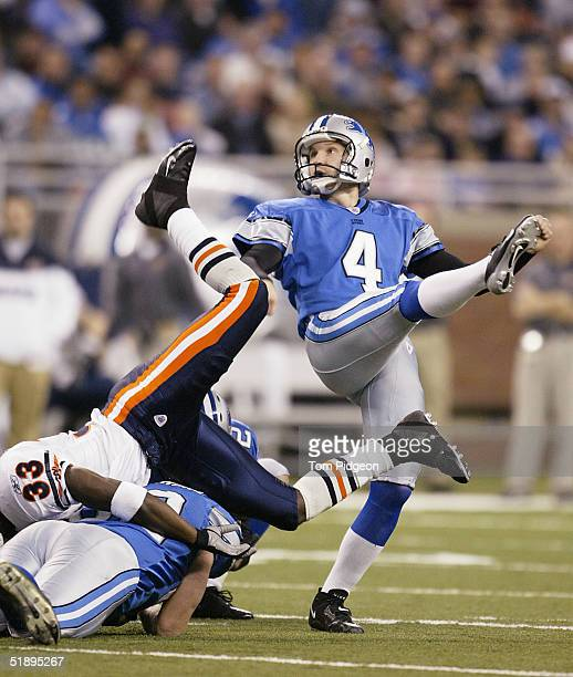 Jason Hanson of the Detroit Lions kicks a field goal in the second quarter against the Chicago Bears at Ford Field on December 26, 2004 in Detroit,...