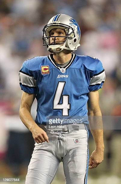 Jason Hanson of the Detroit Lions lines up a fourth quarter field goal during the game against the Chicago Bears at Ford Field on October 10, 2011 in...