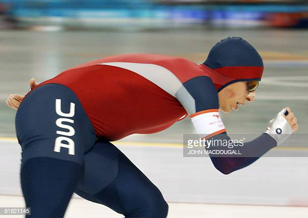 Jason Hedstrand skates in the men's 10000m speedskating race at the Utah Olympic Oval 22 February 2002 during the XIXth Winter Olympics in Salt Lake...