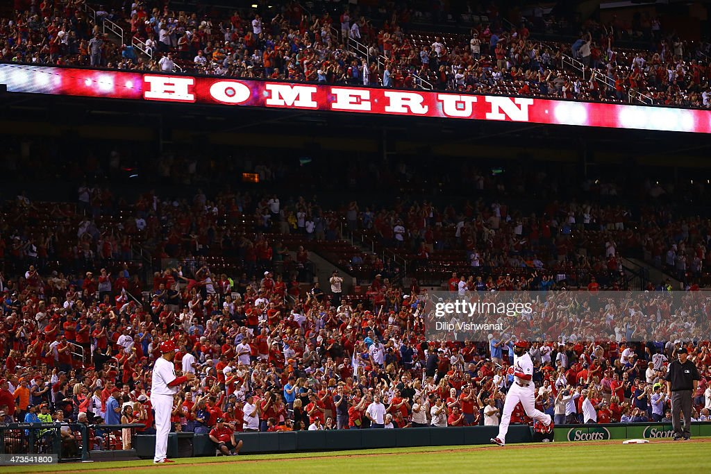 Jason Heyward #22 of the St. Louis Cardinals rounds third base after hitting a two-run home run against the Detroit Tigers in the eighth inning at Busch Stadium on May 15, 2015 in St. Louis, Missouri.