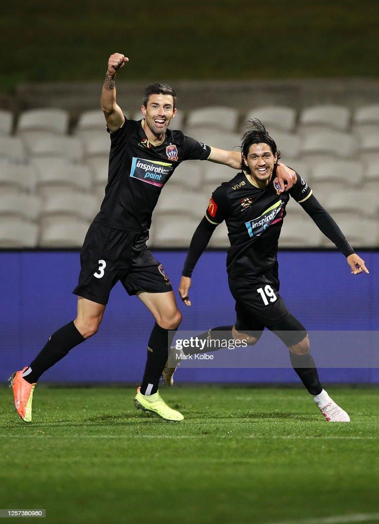 A-League Rd 28 - Sydney v Newcastle : ニュース写真
