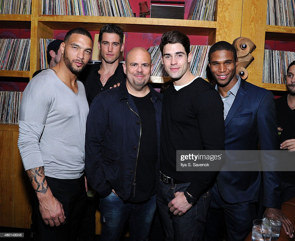 Jason Kanner (C) posses with models at 2nd Supermodel Saturday at No.8 on March 22, 2014 in New York City.