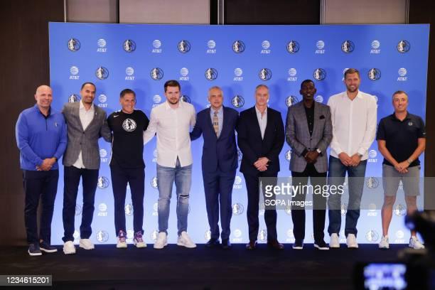 Jason Kidd, Nico Harrison, Mark Cuban, Luka Doncic, his agents Bill Duffy and Enrique Villalobos, and the rest of the Dallas Mavericks team at a...