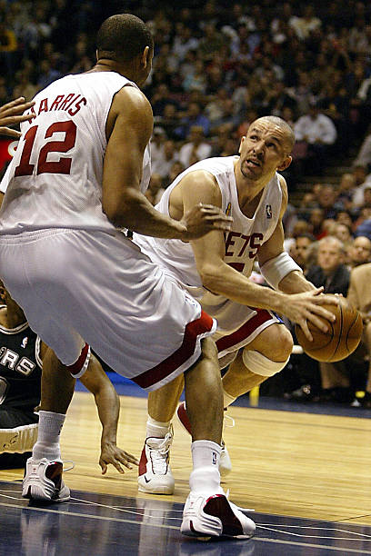 Jason Kidd of the New Jersey Nets looks Pictures  4b38c0046