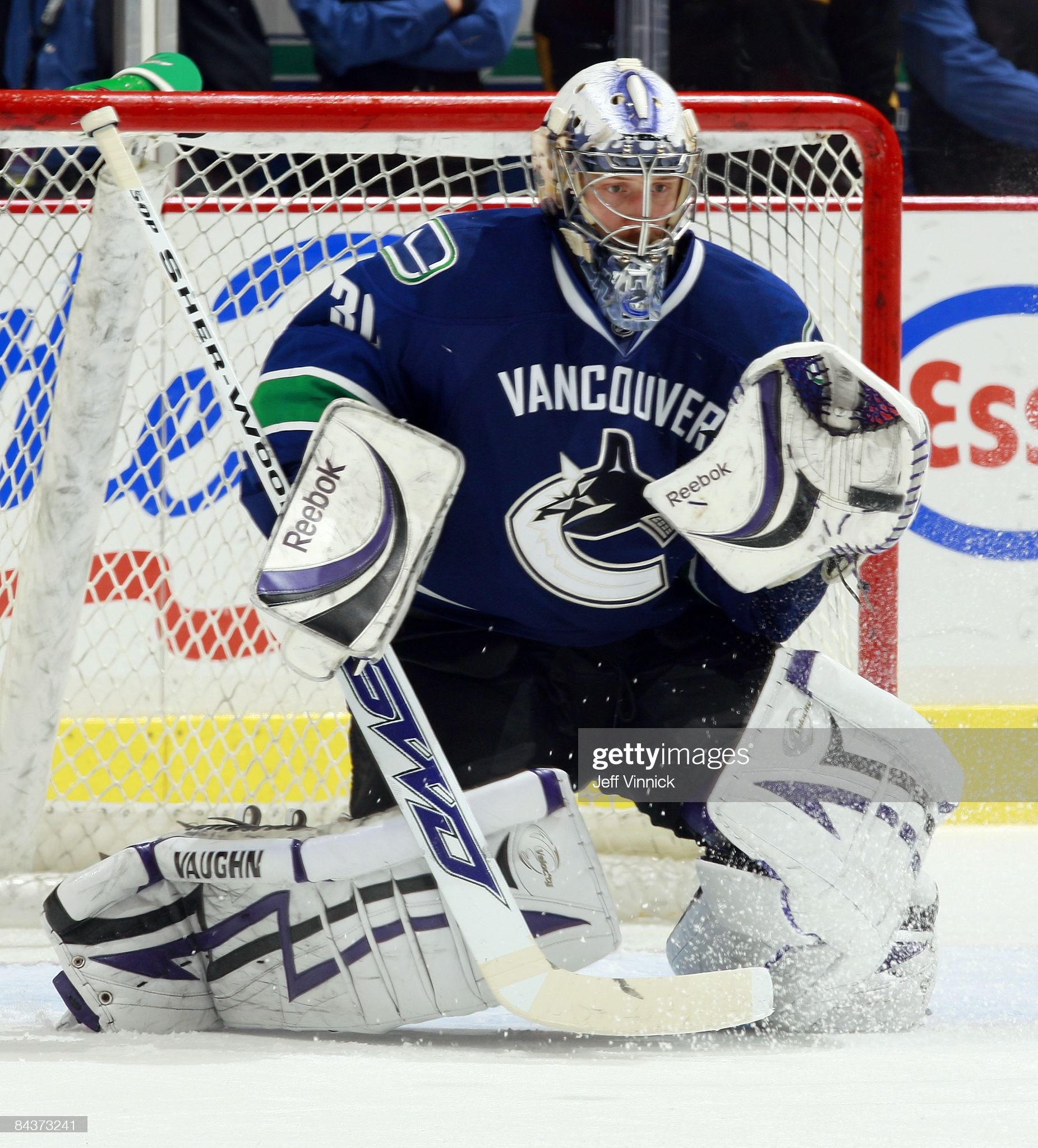 jason-labarbera-of-the-vancouver-canucks