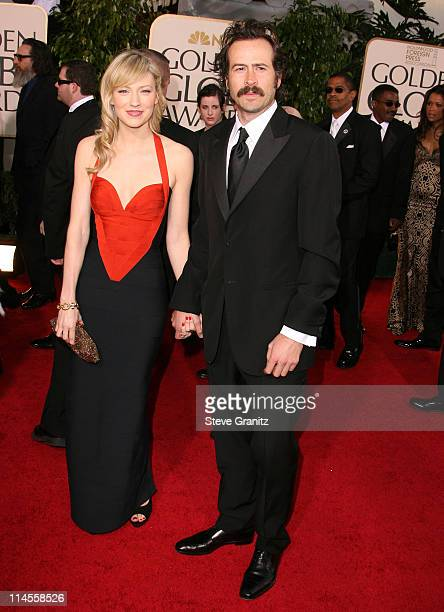 Jason Lee and Beth Riesgraf during 64th Annual Golden Globe Awards Arrivals at Beverly Hilton in Beverly Hills CA United States