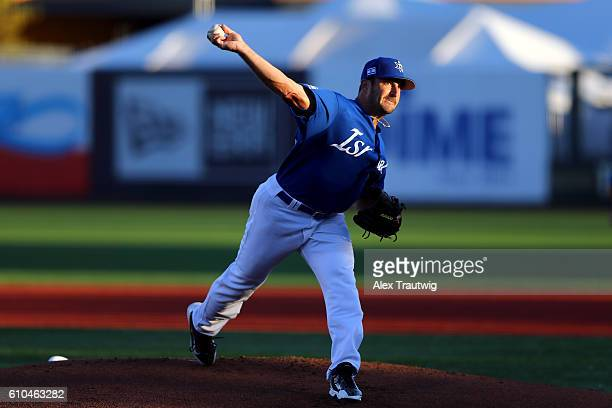 Jason Marquis of Team Israel pitches in the first inning during Game 6 of the 2016 World Baseball Classic Qualifier at MCU Park on Sunday September...