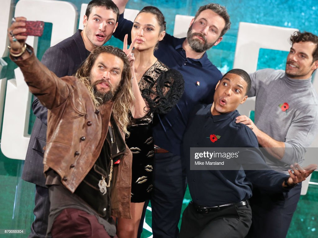 Ben Affleck, Gal Gadot and the rest of the 'Justice League' cast touched down in London for a group selfie ahead of next week's film release