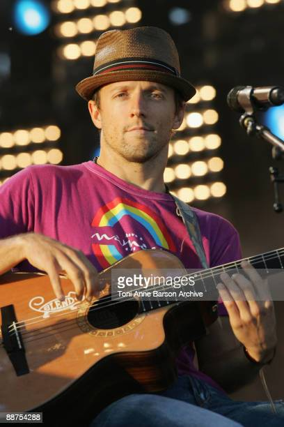 Jason Mraz performs at the France 2 Live Show ' Fete de la Musique' in the Bagatelle Gardens on June 21 in Paris France