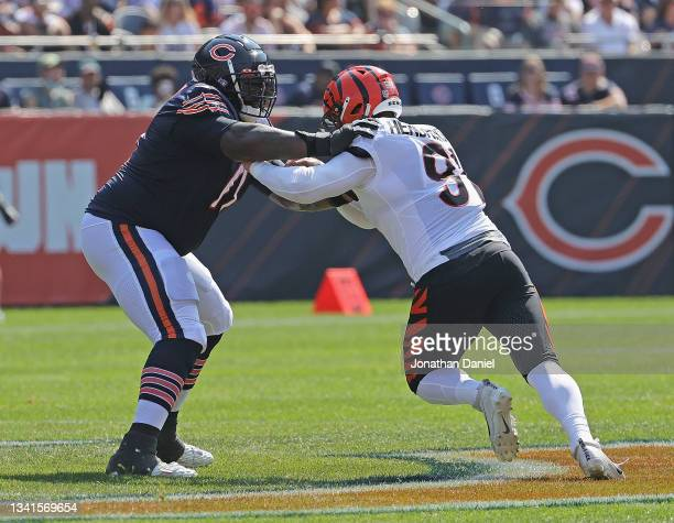 Jason Peters of the Chicago Bears blocks Trey Hendrickson of the Cincinnati Bengals at Soldier Field on September 19, 2021 in Chicago, Illinois. The...