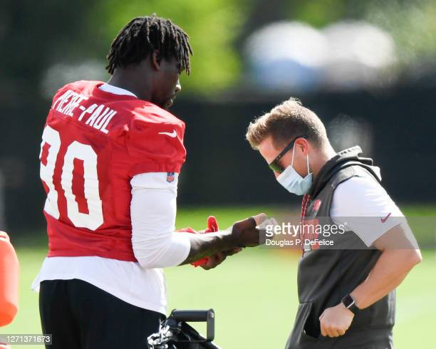 Jason Pierre-Paul of the Tampa Bay Buccaneers tends to his hand during training camp at Raymond James Stadium on September 08, 2020 in Tampa, Florida.