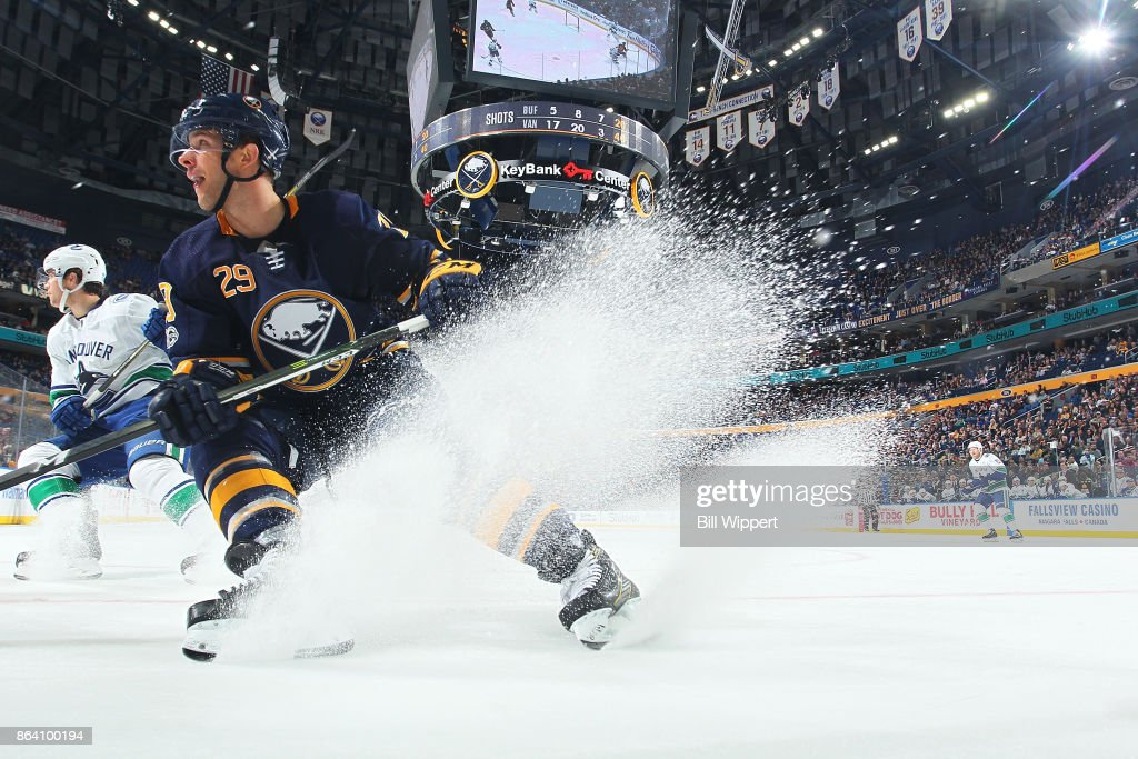Jason Pominville #29 of the Buffalo Sabres makes a quick stop during an NHL game against the Vancouver Canucks on October 20, 2017 at KeyBank Center in Buffalo, New York. Vancouver won, 4-2.