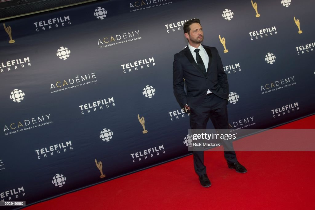 Jason Priestly entering the carpet. Canadian Screen Awards red carpet at Sony Centre for the Performing Arts ahead of the show.