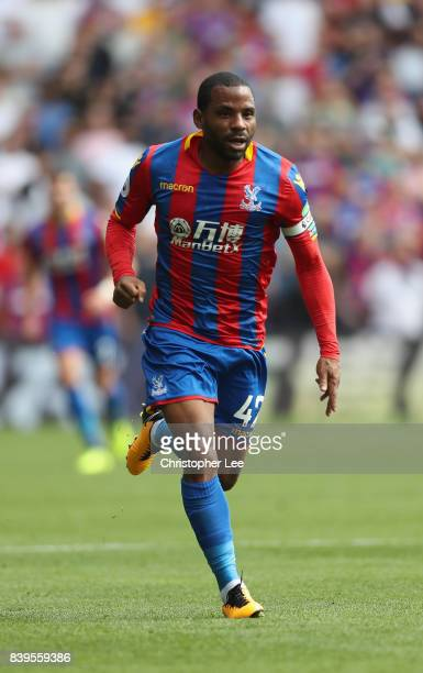 Jason Puncheon of Crystal Palace in action during the Premier League match between Crystal Palace and Swansea City at Selhurst Park on August 26 2017...