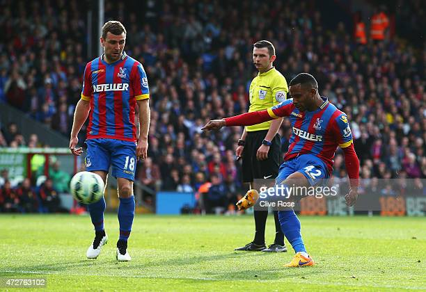 Jason Puncheon of Crystal Palace scores his team's first goal during the Barclays Premier League match between Crystal Palace and Manchester United...