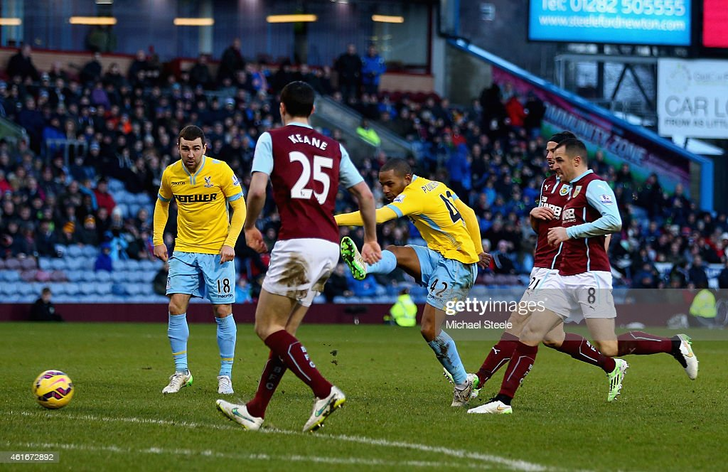 Jason Puncheon of Crystal Palace scores their second goal during the Barclays Premier League match between Burnley and Crystal Palace at Turf Moor on January 17, 2015 in Burnley, England.