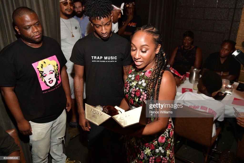 Jason Riddick, 21 Savage and Rachel Jackson attend a an Ascap for Dinnnr for 21 Savage at KR Steakhouse on August 17, 2017 in Atlanta, Georgia.