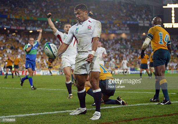 Jason Robinson of England celebrates scoring a try during the Rugby World Cup Final match between Australia and England at Telstra Stadium November...