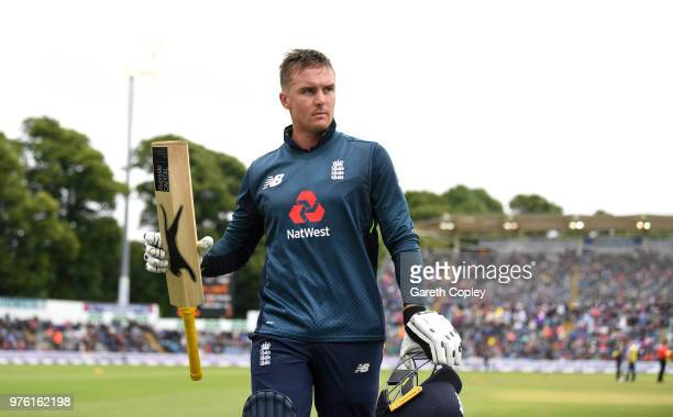 Jason Roy of England salutes the crowd as he leaves the field during the 2nd Royal London ODI between England and Australia at SWALEC Stadium on June...