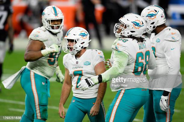Jason Sanders of the Miami Dolphins celebrates a field goal against the Las Vegas Raiders in the fourth quarter at Allegiant Stadium on December 26,...