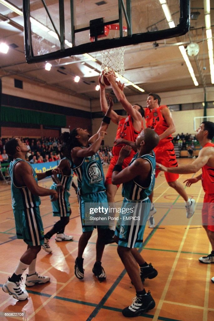 Basketball - Budweiser League Southern Conference - Thames Valley Tigers v London Leopards : News Photo