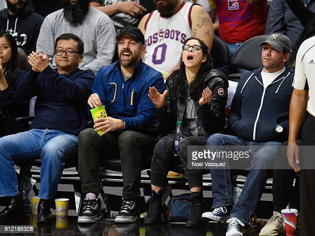Jason Sudeikis and Sarah Silverman attend a basketball game between the Denver Nuggets and the Los Angeles Clippers at Staples Center on February 24,...