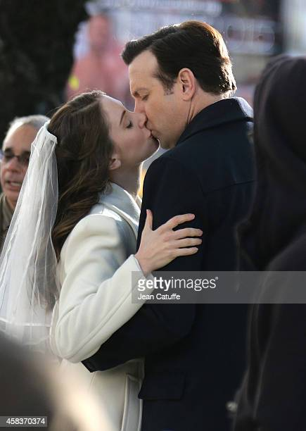 Jason Sudeikis kisses Alison Brie on the movie set of 'Sleeping With Other People' filmed on 5th Avenue in Manhattan on November 3 2014 in New York...