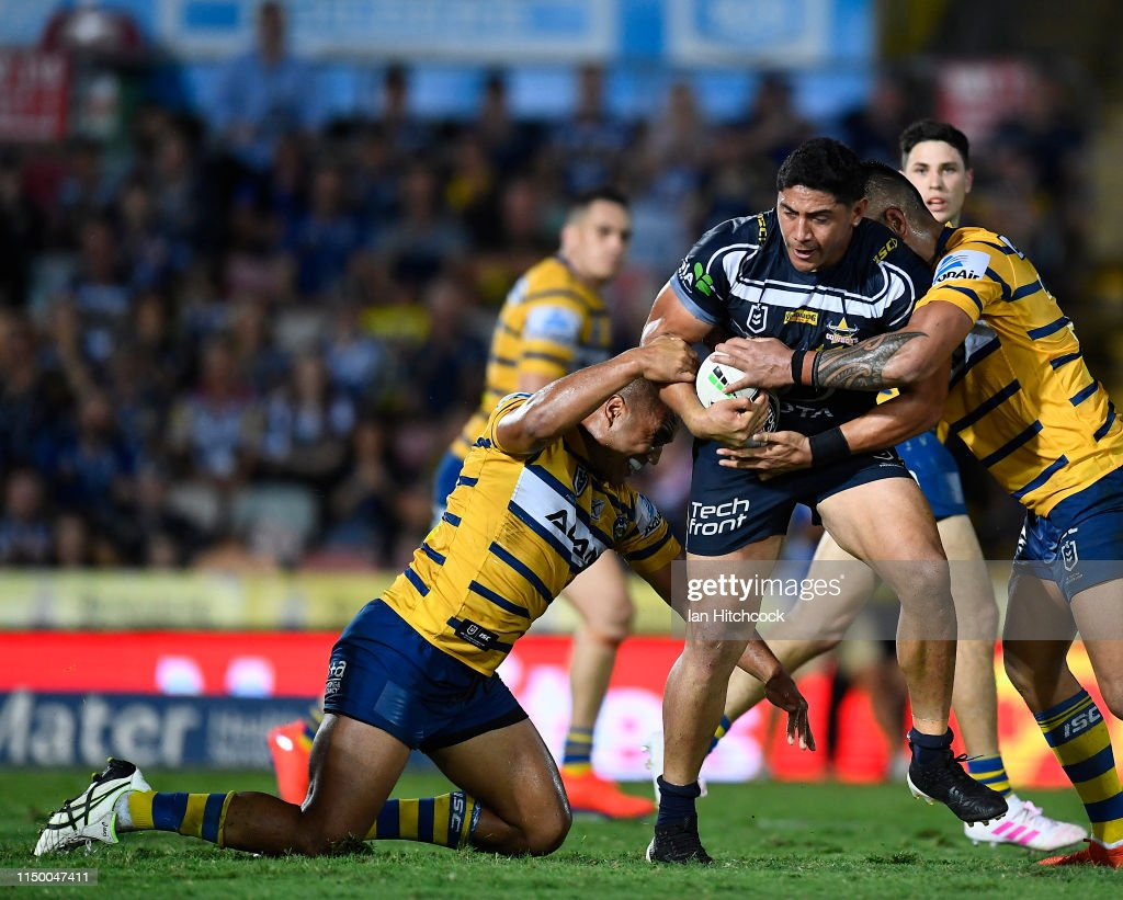 NRL Rd 10 - Cowboys v Eels : News Photo
