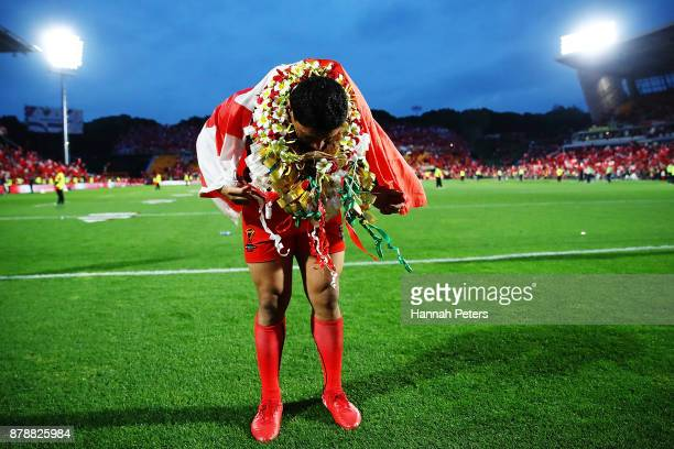 Jason Taumalolo of Tonga bows for the crowd after losing the 2017 Rugby League World Cup Semi Final match between Tonga and England at Mt Smart...