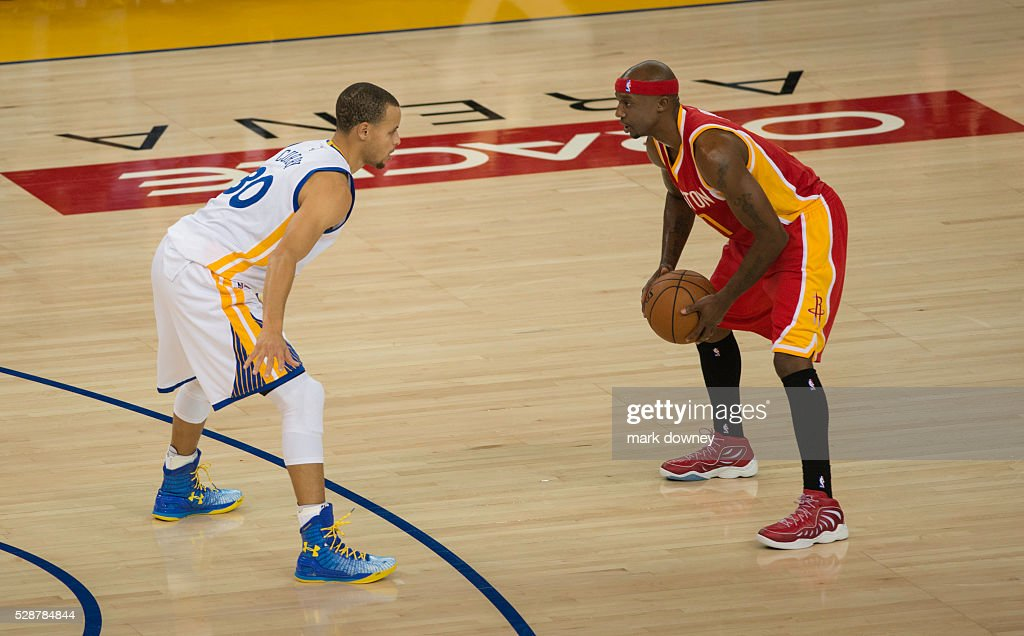Jason Terry and Stephen Curry : News Photo