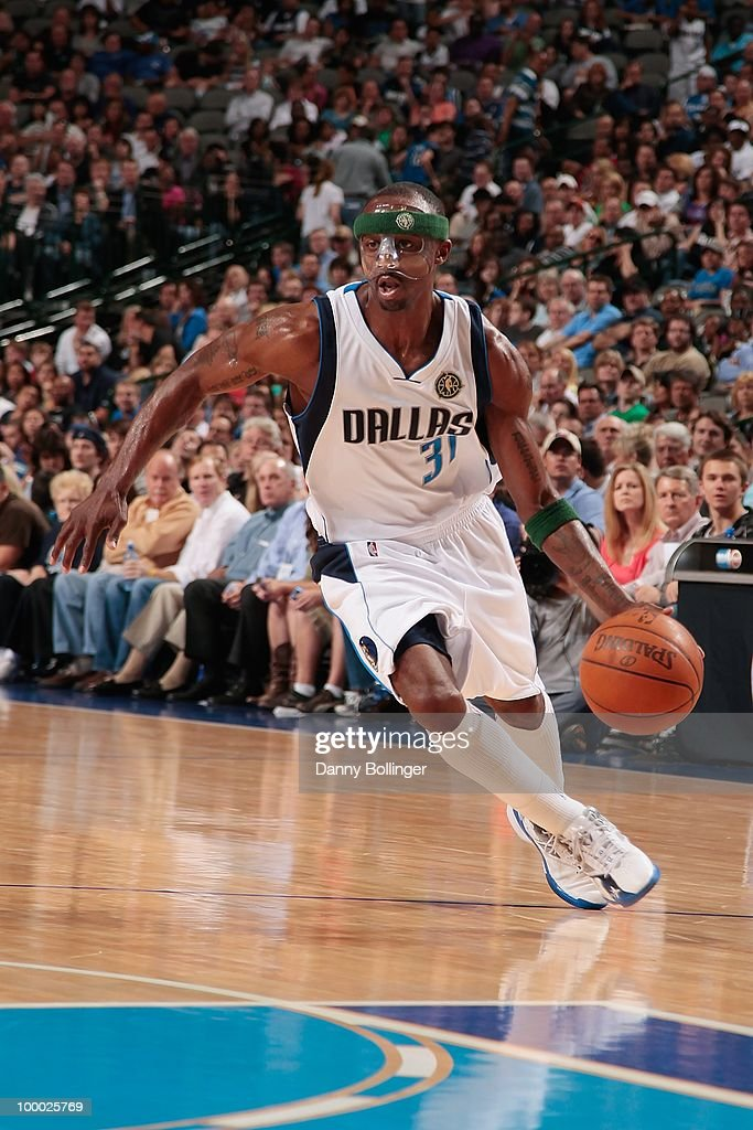 Jason Terry #31 of the Dallas Mavericks dribbles during the game against the Orlando Magic on April 1, 2010 at American Airlines Center in Dallas, Texas. The Magic won 97-82.