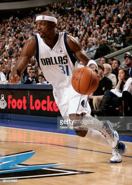 Jason Terry of the Dallas Mavericks drives the ball to the basket during the game against the Oklahoma City Thunder on January 15 2010 at American...