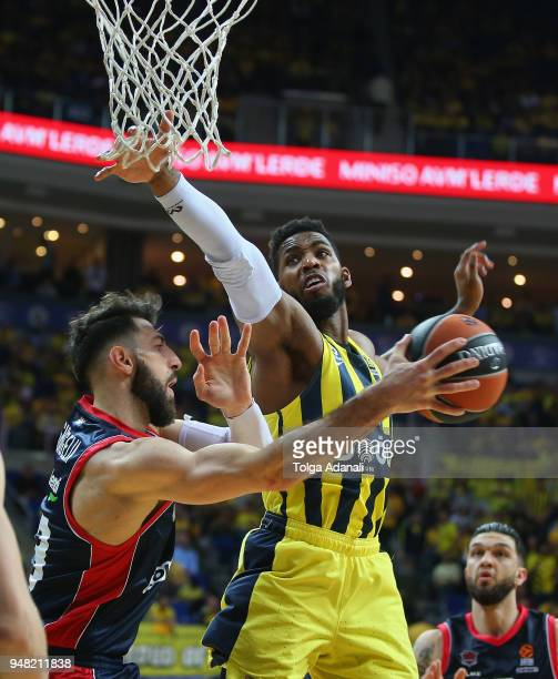Jason Thompson #1 of Fenerbahce Dogus in action with Tornike Shengelia #23 of Kirolbet Baskonia Vitoria Gasteiz during the Turkish Airlines...