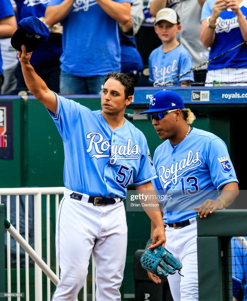 Jason Vargas #51 of the Kansas City Royals waves to the crowd after being taken out of the game during the fifth inning against the Arizona Diamondbacks at Kauffman Stadium on October 1, 2017 in Kansas City, Missouri.