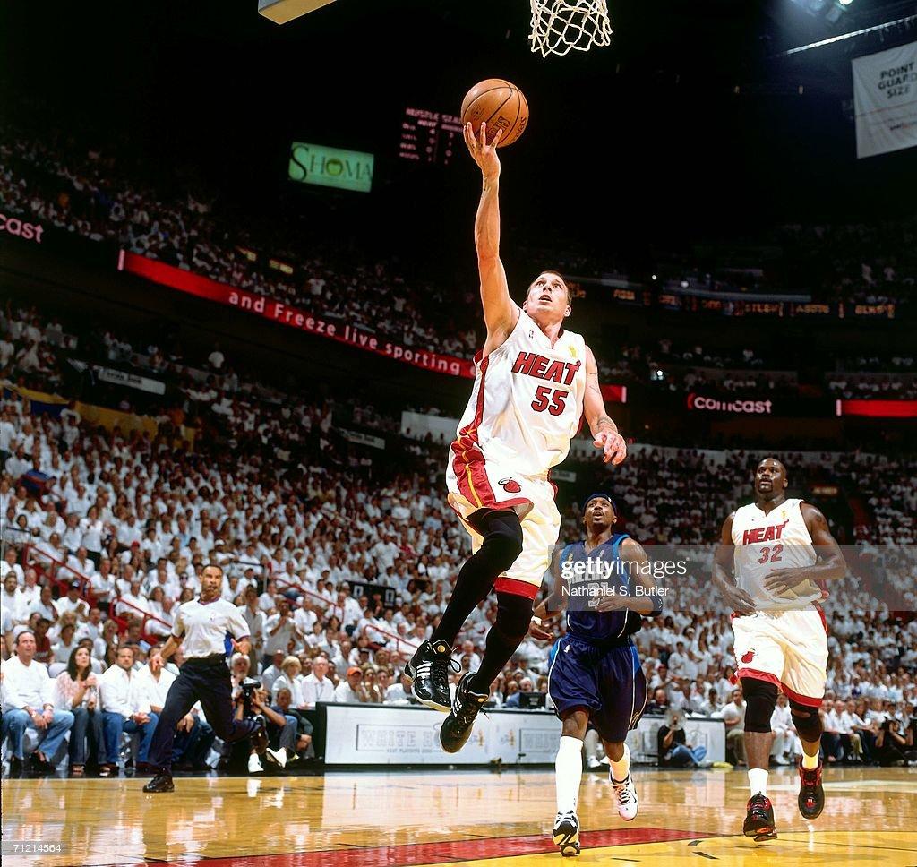 detailed look b074e e9b4b Jason Williams of the Miami Heat attempts a layup the Dallas ...