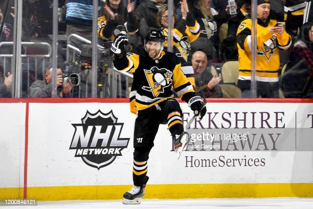 Jason Zucker of the Pittsburgh Penguins celebrates his second goal of the second period against the Montreal Canadiens at PPG PAINTS Arena on...