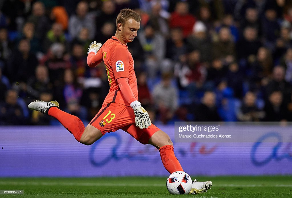 Jasper Cillessen of Barcelona in action during the La Copa del Rey first leg match between Hercules CF and FC Barcelona at Jose Rico Perez on November 30, 2016 in Alicante, Spain.